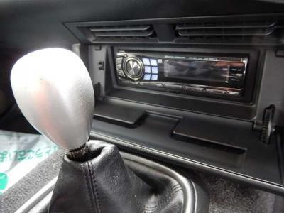 オーディオはデッキからスピーカーまで交換されて、いい音でした。動作確認済み。