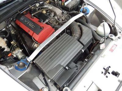 縦置きのV-TECエンジンは多分コレが最初で最後だろうな。。唯一無二ってヤツだ。