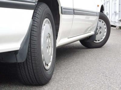 4ws!車線変更はスマートに。旋回はアクティブに。技術のホンダココに健在。