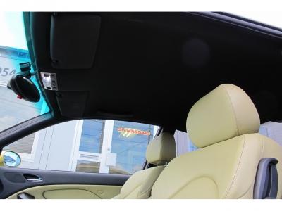 室内の臭いも気にならないM3です。運転席側、リア側ともに使用した痕跡はありません。