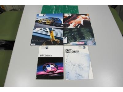 取説、記録簿完備の安心BMW正規ディーラー車です。14.15.16.17.18.19.21.22.23.24年7月31020KMまで整備記録有ります。