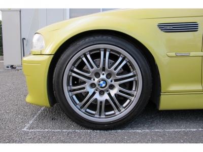 デザインの良いM3専用18インチアルミホイール、タイヤは前後トーヨープロクセスT1Rタイヤサイズ225/45R18 255/40R18 タイヤのやももまだまだ十分ございます。