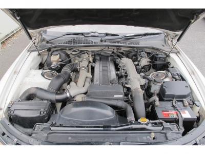 メーカーカタログ引用1JZ-GTE 最高出力280ps(206kW)/6200rpm トルク37.0kg・m(362.8N・m)/4800rpm 直列6気筒ツインターボ