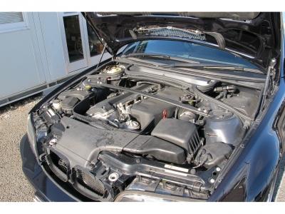 E46M3後期SMG2車が入庫しましたメーカーカタログ引用出力343ps(252kW)/7900rpm トルク37.2kg・m(365N・m)/4900rpm直6シルキー6E46M3走る喜びをぜひ!!