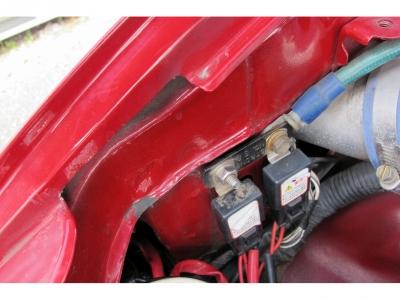 軽度修復歴箇所は右フロントインパネ歪板金ペイント痕で修復にしています。走行に支障のない1オーナー車スープラRZが入庫です。お見逃しなく!!