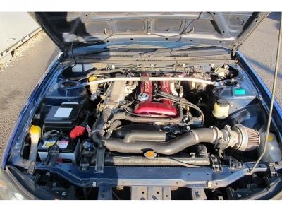 メーカーカタログ引用SR20DE 最高出力200ps(147kW)/7200rpm 最大トルク21.8kg・m(213.8N・m)/4800rpm 種類水冷直列4気筒DOHC16バルブ