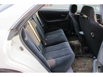 HKS車高調KID付きのお車になります。装備も充実のお車になりますので、お探しのお客様はお早目にご検討ください。