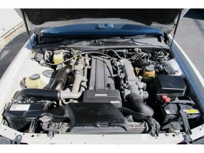 1JZ−GTE 最高出力280ps(206kW)/6200rpm トルク37.0kg・m(362.8N・m)/4800rpm 種類水冷直列6気筒DOHC24バルブツインターボ!ツインターボの加速!!