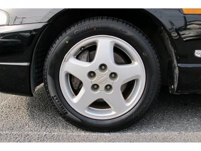 デザインの良いECR純正16インチアルミホイールになります。当店にてピレリーP6をNEWタイヤで装着しています。