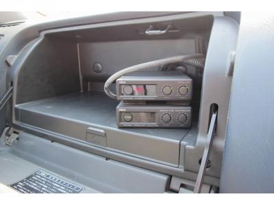 FIELD技研ブーストコントロール、ブースト計も装着されていますので、1JZツインターボエンジンを楽しんでください。便利な4ドアの純正MTはなかなかないですよ〜