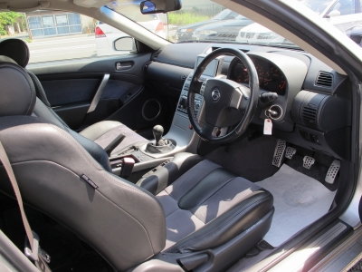 取説、新車保証書、スペアキー1ケ、260KM、1153KM、10798KM、23009KM,50820KM時にメンテナンス記録ございます。