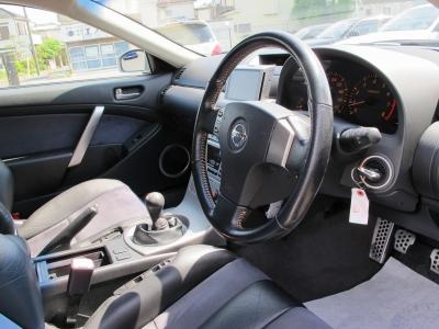 この年式としては外装内装共に上質なお車になります。ぜひ純正6速MTのCPV35をお探しのお客様はご検討ください。