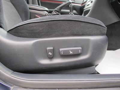 運転席はパワーシートになります。内装状態も良く1オーナー車はなかなかないので、お探しのお客様はお早目のご検討をおすすめします。