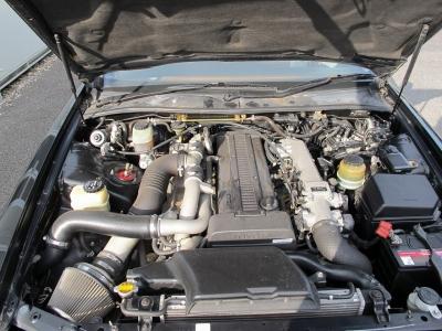 1JZ-GTE 最高出力280ps(206kW)/6200rpm トルク37.0kg・m(362.8N・m)/4800rpm 種類水冷直列6気筒DOHC24バルブツインターボ!ツインターボの加速!!