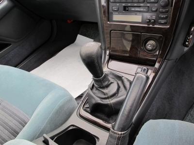 90系1JZツインターボエンジンを思いのままに純正5速MTで走行を楽しんでください。