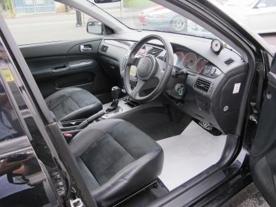 三菱ディーラーメンテナンス車の1オーナー車です。17.18.19.20.21.22.23.24.25.26.27.28.29.30年新車〜すべて三菱ディーラーにて行われています。