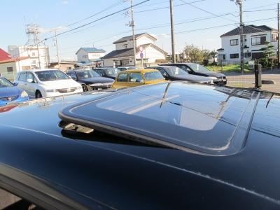 サンルーフ付きのHCR32純正5速MTが入庫しました!!現代のお車にはないデザインと硬派な32のイメージは乗る人を魅了します。ぜひお早目に!!