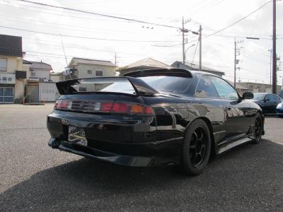 外装ブラック運転席ブリットがセットされたS14楽しいお車になりますので、ぜひ検討してみてください。TEIN車高調、LSD、アドバン17AW、フロント225/45/17リア235/45/17NEWタイヤ