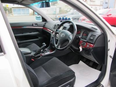 室内の臭いも気にならない車両になります。上質なマークIIグランデIR-Vをお探しのお客様ぜひお問い合わせお待ちしております