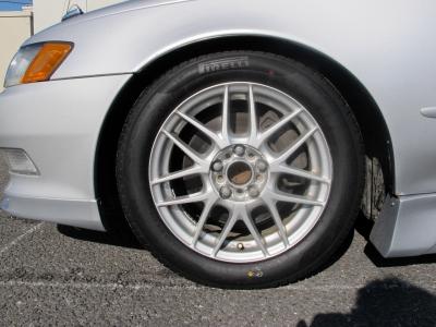 NEWタイヤピレリーP6、205/55/16前後装着デザインの良い16AWカスタムするも良しこのまま乗るも良しのおすすめ車両です。
