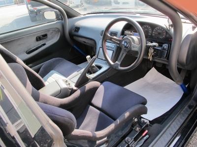 ブリットフルバケットシート装着、ロールゲージにて2名乗車、構造変更他しておりますので、ご安心ください。