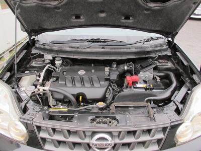 メーカーカタログ引用MR20DE 出力137ps(101kW)/5200rpm トルク20.4kg・m(200N・m)/4400rpm 種類直列4気筒DOHC 総排気量1997cc