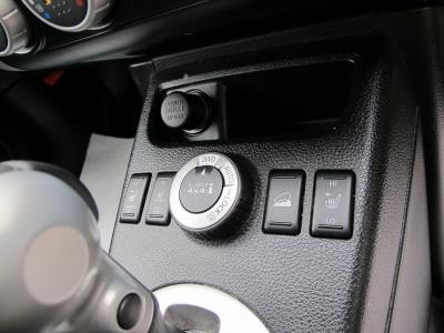 収納も充実の2L4WDエクストレイルXTT上級グレードをぜひ!!