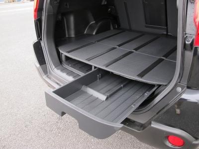 トランクスペースは2段収納可能なお車です。ご家族でお出掛けも収納充実のエクストレイル!!ぜひご検討ください。