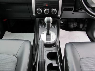 無鉛レギュラーガソリンでエクストレイル4WDを楽しんでください。