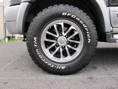 MKW16インチアルミホイールにBFグットリッチオールテレン265/70/16タイヤ!!背面タイヤ装着車!!