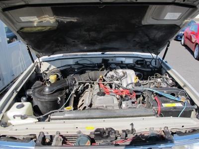 メーカーカタログ引用1FZ−FE 出力215ps(158kW)/4600rpm トルク38.0kg・m(372.6N・m)/3200rpm 水冷直列6気筒DOHC24バルブ 総排気量4476cc