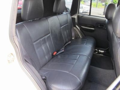 チェロキー7MXリミテッドが入庫しました!!シートヒーター完備、運転席助手席にはPWシートになりますので、ドライビングポジションも快適な調整でお乗り頂けます。