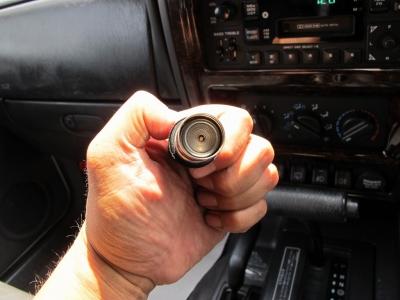 室内の臭いも気にならないお車です。外装ストーンホワイトの7MXお見逃しなく!!