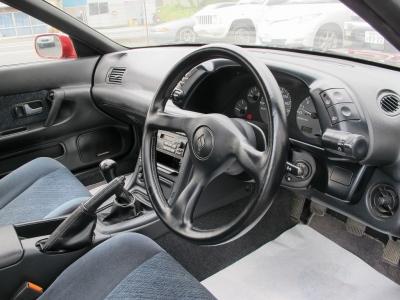 1オーナー車、外装補修済みのお車です。艶やかなレッドパールメタリック(AH3)です。お見逃しなく!!