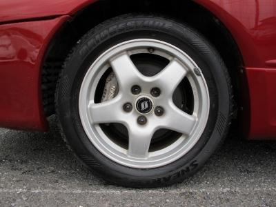 デザインの良いスカイラインHCR32タイプM純正16インチアルミホイールです。