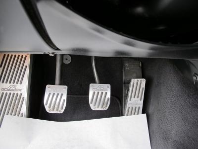 BMW直6エンジンノーマルでも大変気持ちの良いエンジンですが、こちらの車両はさらに気持ちの良いサウンド、走り(車高調)などもそうちゃくされており、オーナー様の気持ちをつかむお車です。後期型!!
