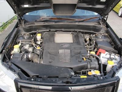 メーカーカタログ値エンジン型式EJ20 出力230ps(169kW)/5600rpm トルク32.5kg・m(319N・m)/2800rpm 種類水平対向4気筒DOHC16バルブICターボ2Lターボ!