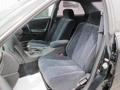 整備状態も大変良い1オーナー車、純正5速MTチェイサーツアラーV入庫しました。外装色ダークグリーンM(6N9)メンテナンス歴の良いお車です。