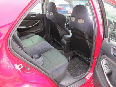 この年式で禁煙車の1オーナー車です。また外装同色ペイントされておりツヤツヤボディのお車になります。ぜひお見逃しなく!!