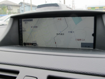 135iクーペ純正6速MTが入庫しました。ブラックレザーシート、シートヒーター、パワーシート、純正HDDナビ、ETC、サンルーフ、BMWパフォーマンスブレーキキャリパー装着されております。