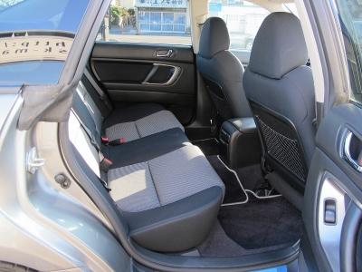 レガシィB42.0GTスペックB純正5速MTが入庫しました。整備状態も良く上質なお車です。ぜひご検討ください。
