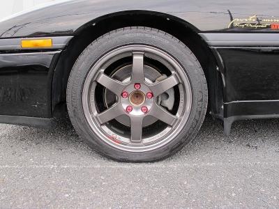 デザインの良い軽量RAYSTE37SL18AW装着済みです。タイヤもアドバンスポーツが装着されています。F225/45/17R255/40/17