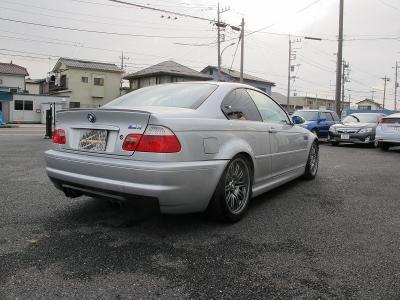 BMWM3左ハンドル純正6速MTが入庫しました!!前回入庫の車両も即売約になっており、ご検討のお客様はぜひお早目にご検討ください。