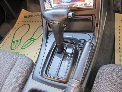 もちろん車検も兼ねていますので、下廻りの検査からダストブーツなど要交換の場合、交換してからのお渡しになります。ぜひご検討ください。
