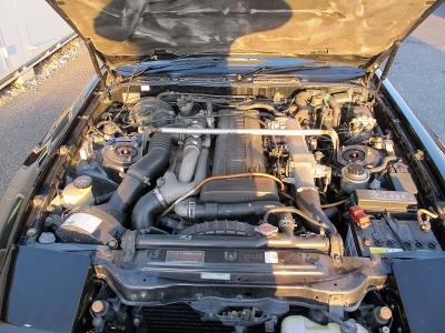 メーカーカタログ引用 型式1JZ−GTE 出力280ps(206kW)/6200rpm トルク37.0kg・m(362.8N・m)/4800rpm 種類直列6気筒DOHC24バルブICツインターボ