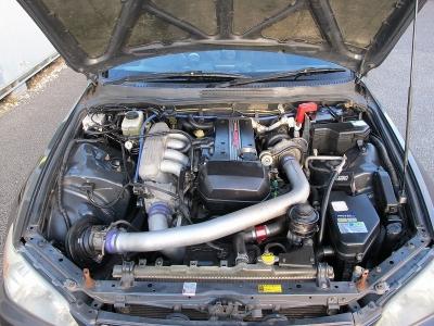 エンジン型式3S-GE出力200ps(147kW)/7000rpm トルク22.0kg・m(216N・m)/4800rpm 種類水冷直列4気筒にギャレットタービン装着車!!