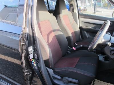 内外装上質な1オーナー車です。室内の臭いもなく前オーナー様の扱いが良かった車両の様に見受けられます。