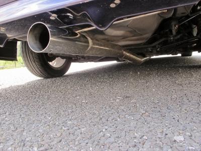 当社納車前点検整備では、エンジンオイル、エレメント、MTオイルなどホンダ車に合わせ油種類をチョイスして交換後、お引き渡しまたブレーキに関してはローター研磨または交換、ブレーキパット残量にて交換致します