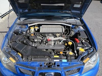 メーカーカタログ引用エンジン型式EJ20 出力250ps(184kW)/6000rpm トルク34.0kg・m(333N・m)/3600rpm 種類水平対向4気筒DOHC16バルブターボ!!