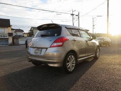 運転の楽しいスズキスイフトRS純正5速MT、関東ディーラー様にて販売からメンテナンスを行っていたお車になります。